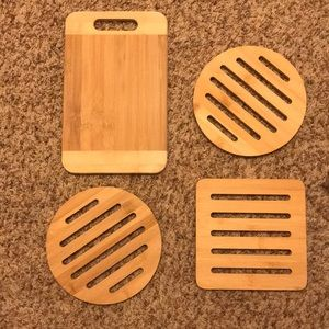 Set of 3 Bamboo trivets and 1 Bamboo cutting board